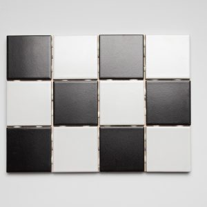 Black and white chess napeilla 10×10